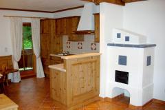 Kachelofen im Wohn-/Esszimmer